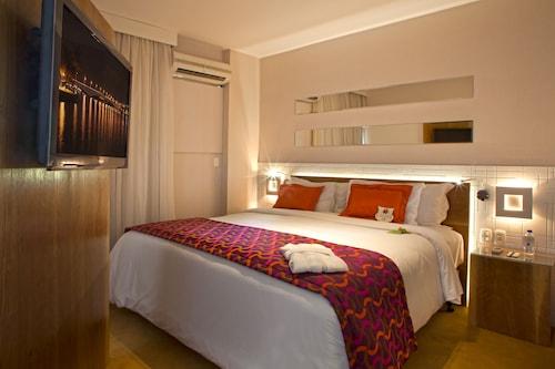 . Quality Suites Alphaville