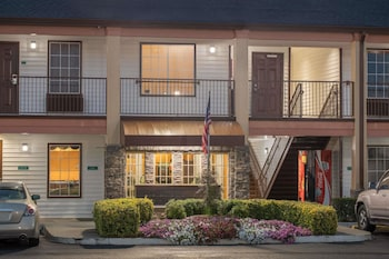 Hotel - Travelodge by Wyndham Commerce GA Near Tanger Outlets Mall