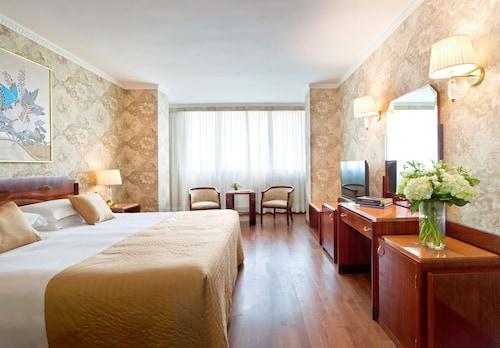 . Starhotels Du Parc
