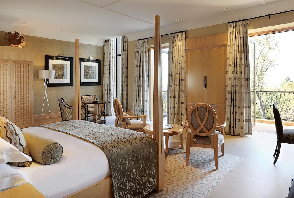 https://i.travelapi.com/hotels/1000000/580000/574000/573947/27fc78b3_z.jpg