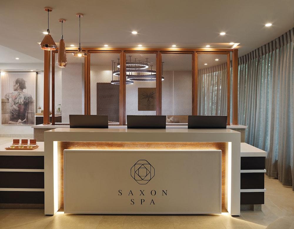 https://i.travelapi.com/hotels/1000000/580000/574000/573947/49eeee10_z.jpg