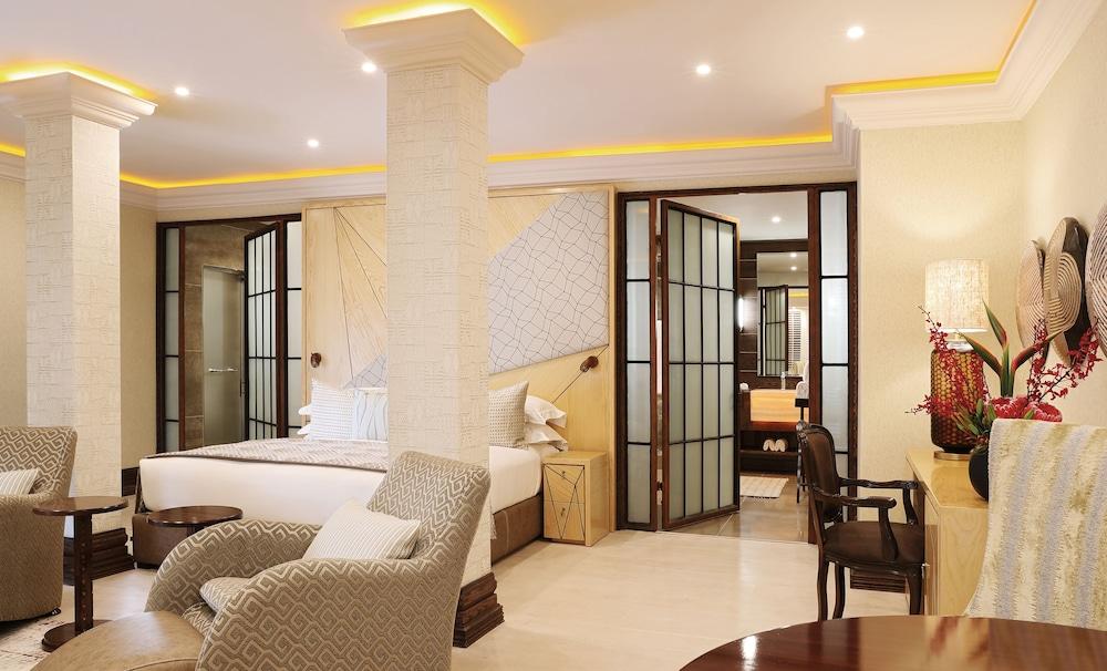 https://i.travelapi.com/hotels/1000000/580000/574000/573947/9fcc9bd1_z.jpg