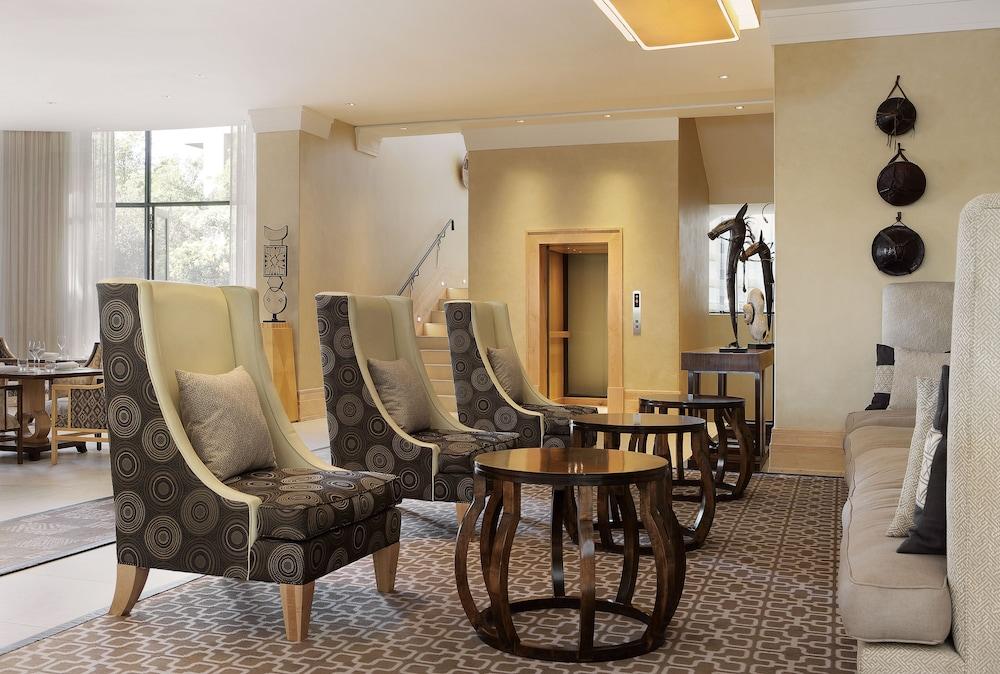 https://i.travelapi.com/hotels/1000000/580000/574000/573947/da035351_z.jpg