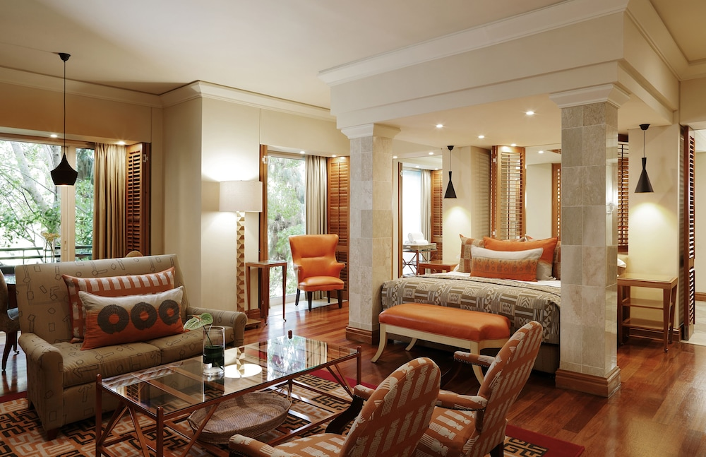 https://i.travelapi.com/hotels/1000000/580000/574000/573947/ebd7b77b_z.jpg