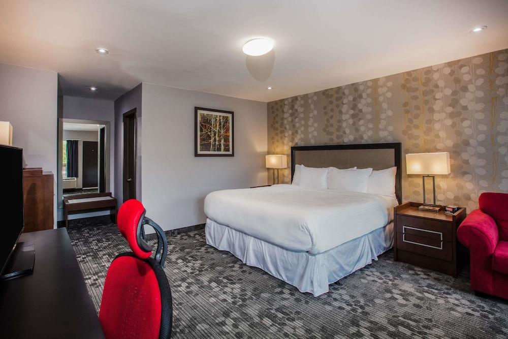 라마다 바이 윈덤 잭슨스 포인트(Ramada by Wyndham Jacksons Point) Hotel Image 0 - Featured Image