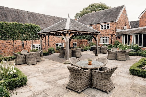 . Manor House Hotel Alsager