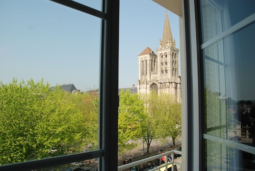 __{offers.Best_flights}__ The Originals City, Hôtel Cathédrale, Lisieux (Inter-Hotel)