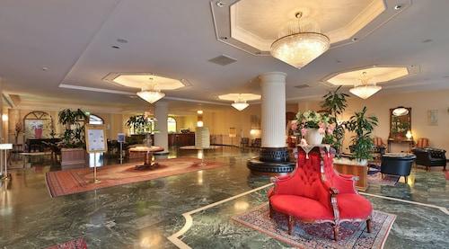 . Best Western Hotel Globus City