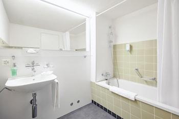 Hotel Schiff am Rhein - Bathroom  - #0