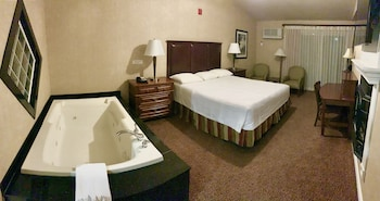 Deluxe Room, 1 King Bed, Riverside