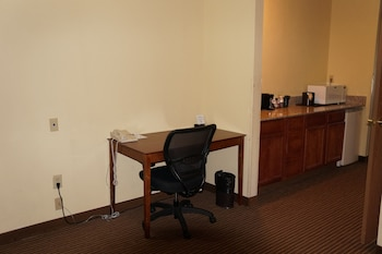 BEST WESTERN Executive Suites - Columbus East - In-Room Business Center  - #0