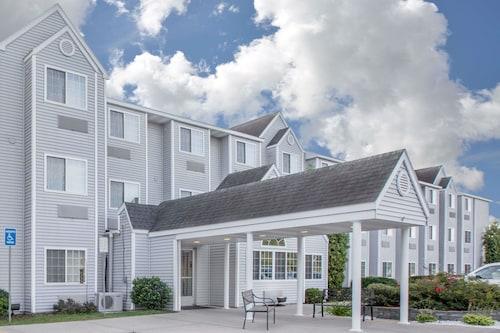 . Microtel Inn & Suites by Wyndham Manistee