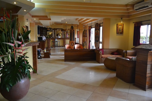 Merina Hotel, Mfoundi
