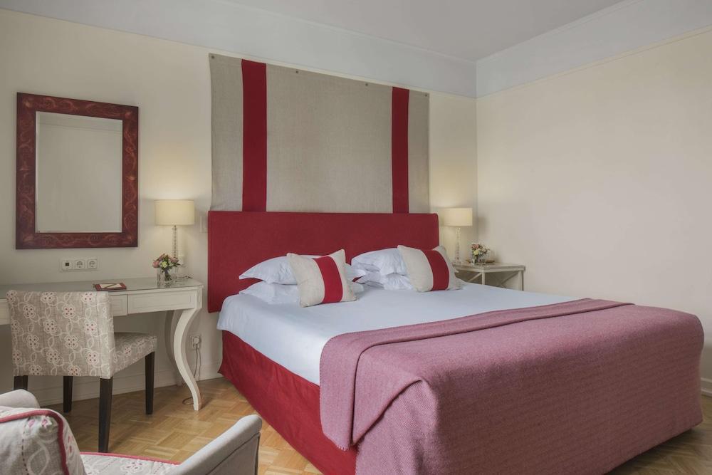 https://i.travelapi.com/hotels/1000000/580000/578700/578663/c91c681d_z.jpg
