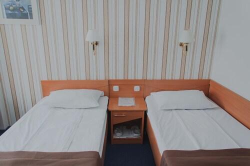 Hotel Adria, Dniprovs'kyi