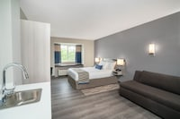 Studio Suite, 1 Queen Bed, Accessible, Non Smoking