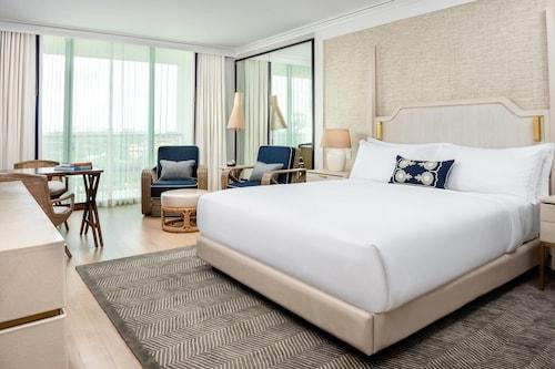 . The Ritz-Carlton Coconut Grove, Miami