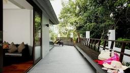 Deluxe Pool Villa Twin