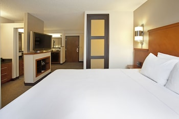 Guestroom at Hyatt Place Baltimore/Owings Mills in Owings Mills