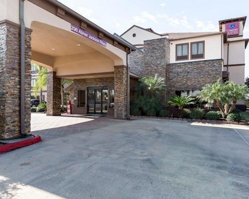 . Comfort Suites Lake Jackson Clute