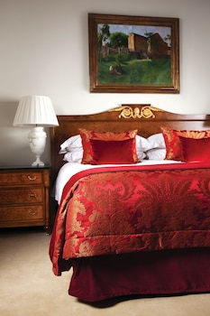 Suite, 1 King Bed (Baroque)