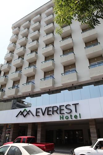 . Everest Hotel
