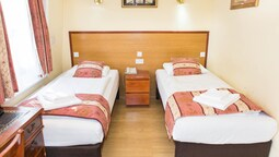 Çift Kişilik Ya Da İki Yataklı Oda