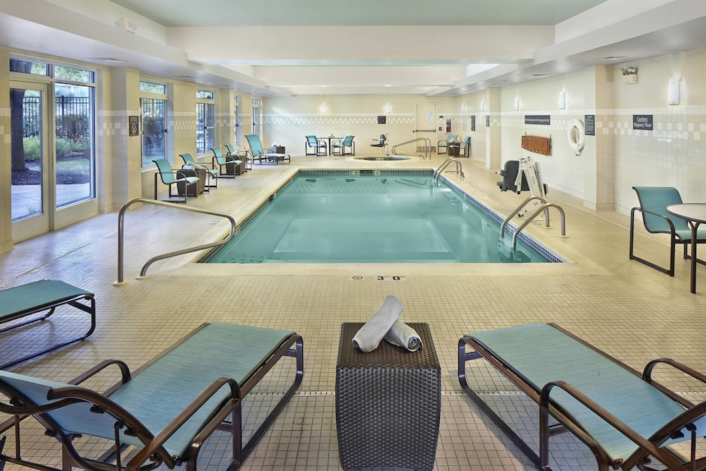 Pool : Indoor Pool 1 of 59