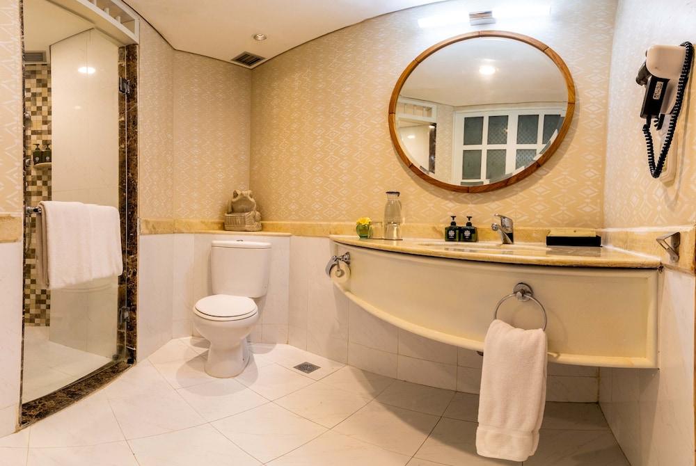 더 탄정 베노아 비치 리조트 - 발리(The Tanjung Benoa Beach Resort - Bali) Hotel Image 50 - Bathroom