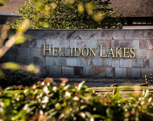 . Hellidon Lakes Golf & Spa Hotel