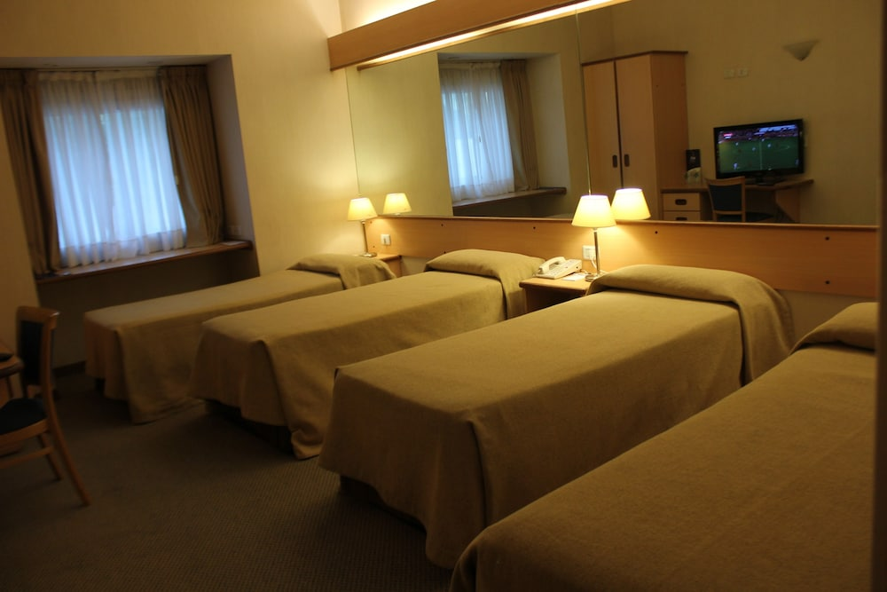 아에로파르케 인 & 스위트(Aeroparque Inn and Suites) Hotel Thumbnail Image 10 - 객실