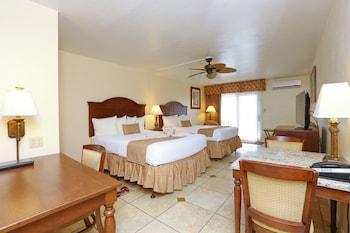 Deluxe Room, 2 Queen Beds, Ground Floor, Patio (No Oceanview)