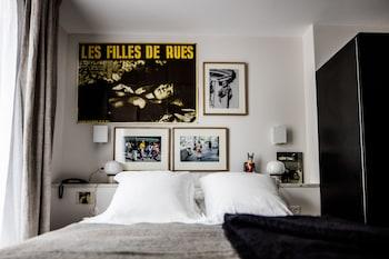 Superior Room (Pigalle 17)