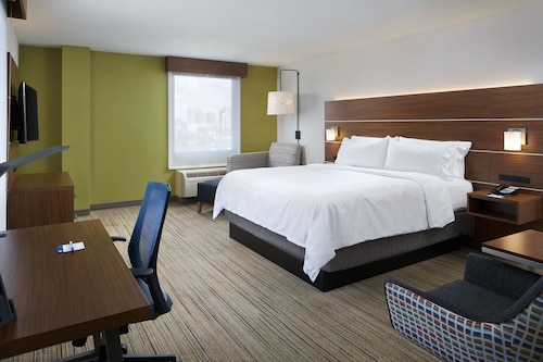 . Holiday Inn Express Richmond Downtown