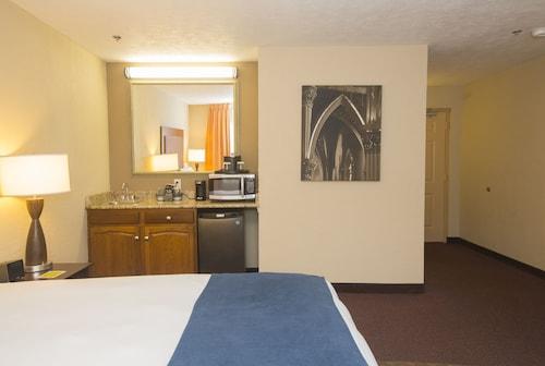Ivy Court Inn & Suites, Saint Joseph