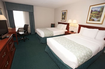 Deluxe Room, 2 Double Beds, Non Smoking (Pet-Friendly)