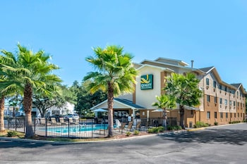 利斯堡湖泊群凱藝飯店 Quality Inn Leesburg Chain of Lakes