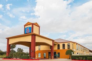Hotel - Motel 6 Ennis TX