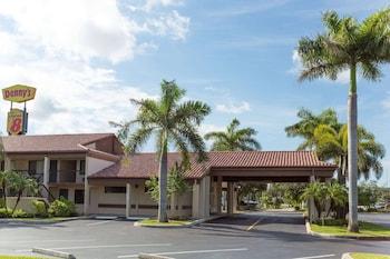 里維埃拉海灘西棕櫚灘溫德姆速 8 飯店 Super 8 by Wyndham Riviera Beach West Palm Beach