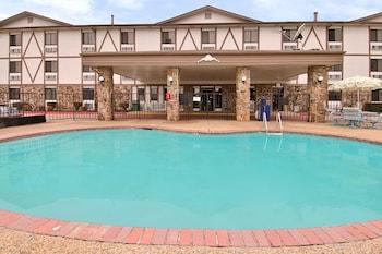 Hotel - Merryton Inn