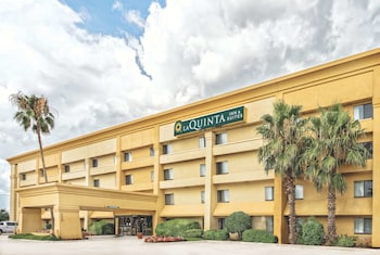 Hotel - La Quinta Inn & Suites by Wyndham Houston Baytown East