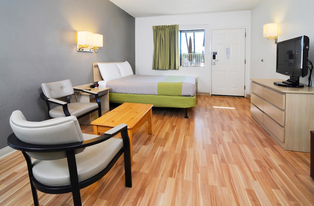 Standard Suite, 1 King Bed, Non Smoking, Refrigerator (Accessible)