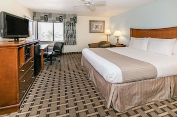 Hotel - Baymont by Wyndham Arlington At Six Flags Dr