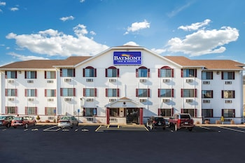 Baymont by Wyndham Cedar Rapids photo