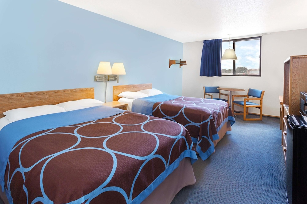 Room : Double Room, 2 Double Beds 2 of 25