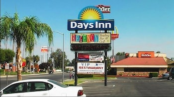 Days Inn by Wyndham Bakersfield