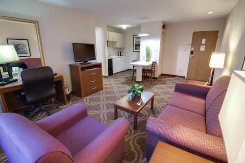 . Ashmore Inn and Suites