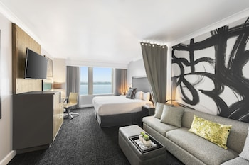 Room, 1 King Bed (Waterfront)