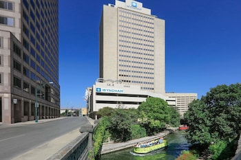 Book Wyndham - Riverwalk in San Antonio.