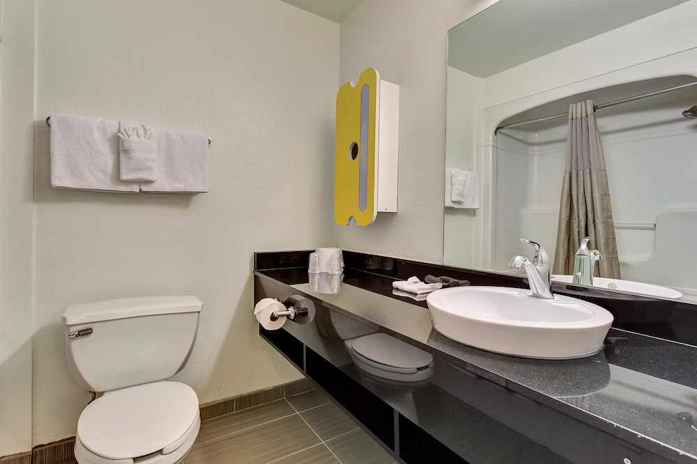 Bathroom Interior Photo